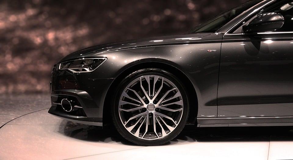 Audi presenta su modelo R18 de tipo híbrido