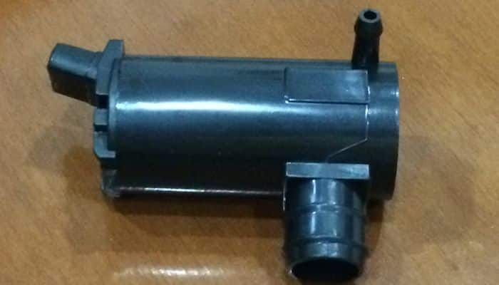 bomba de limpiaparabrisas
