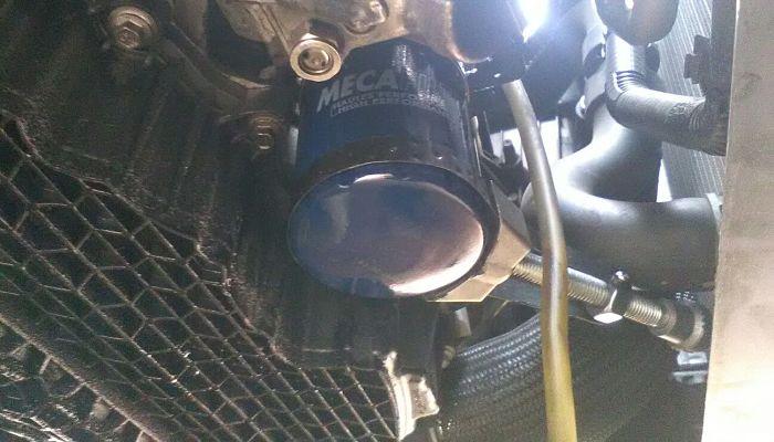 Ubicación de filtro de aceite, vista desde abajo.